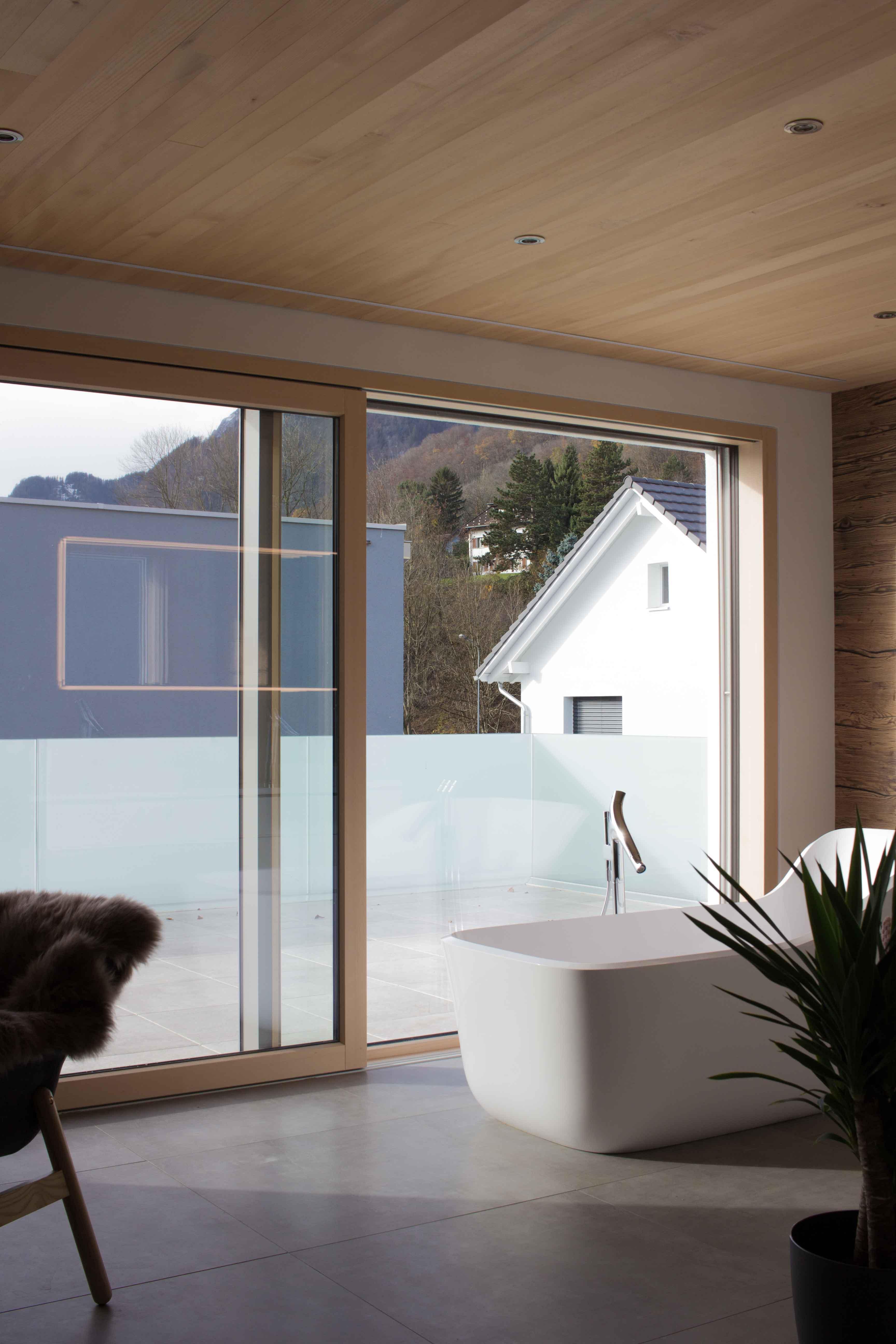 Badsanierung Traumbad planen montieren Mons Solar Schweiz